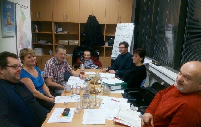 Zleva: David Křížan, Eva Kráčmarová, Hynek Pečinka, Milan Langer, Jiří Rudolf, Marcela Vystrčilová a Marek Podlaha.